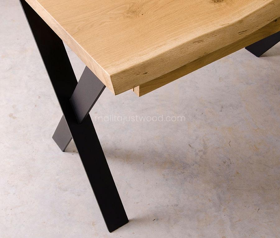 biurko Navigo ze stalowymi nogami