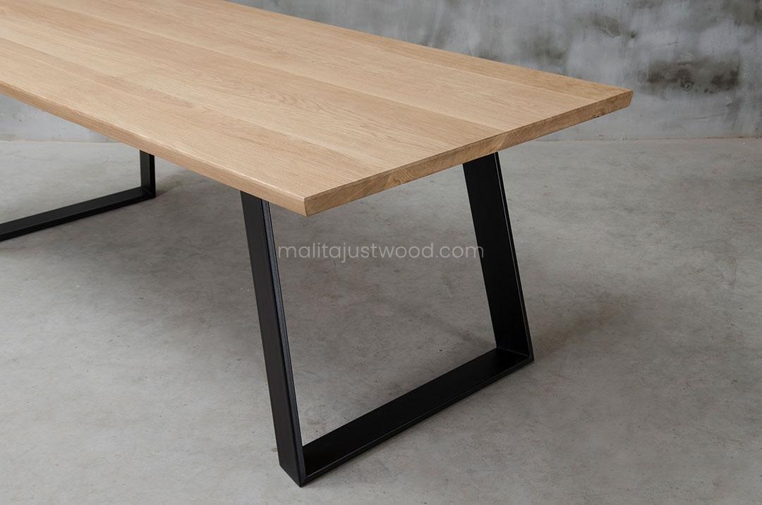 stół Clamo z drewna dębowego