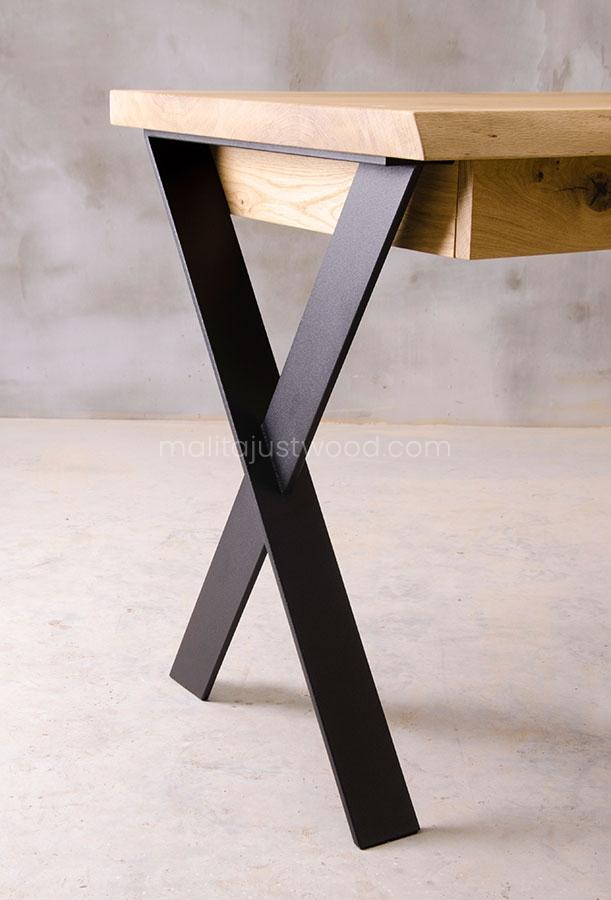 biurko z litego drewna Navigo z szufladami