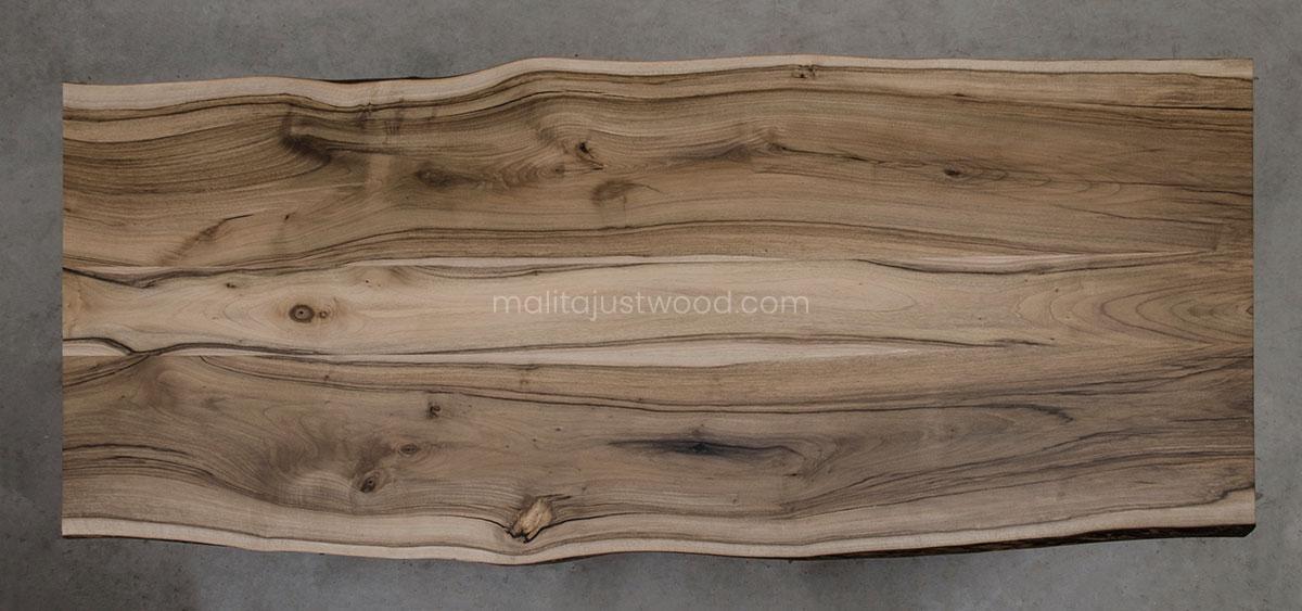 elegancki stół Honor z drewna orzecha europejskiego