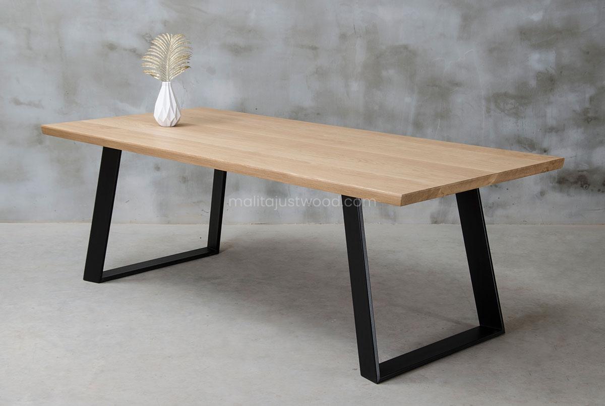 stylowy stół Clamo dębowy na zamówienie