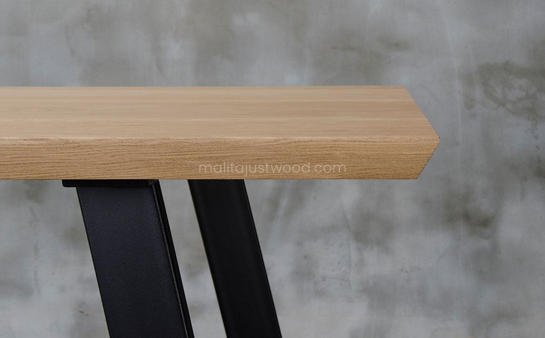 solidny stół dębowy Clamo do jadalni