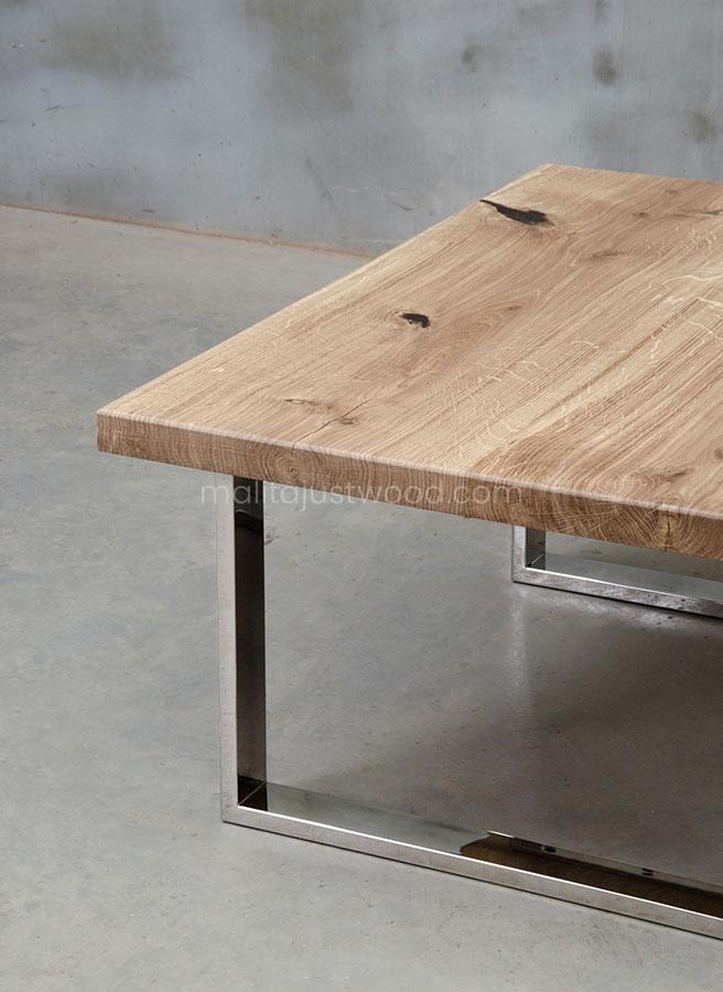 stylowy stolik Parvus ze stalowymi nogami
