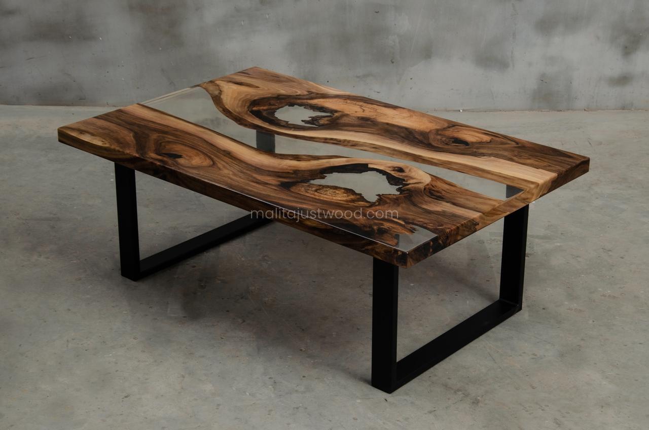 stolik kawowy Ars z żywicą industrialny