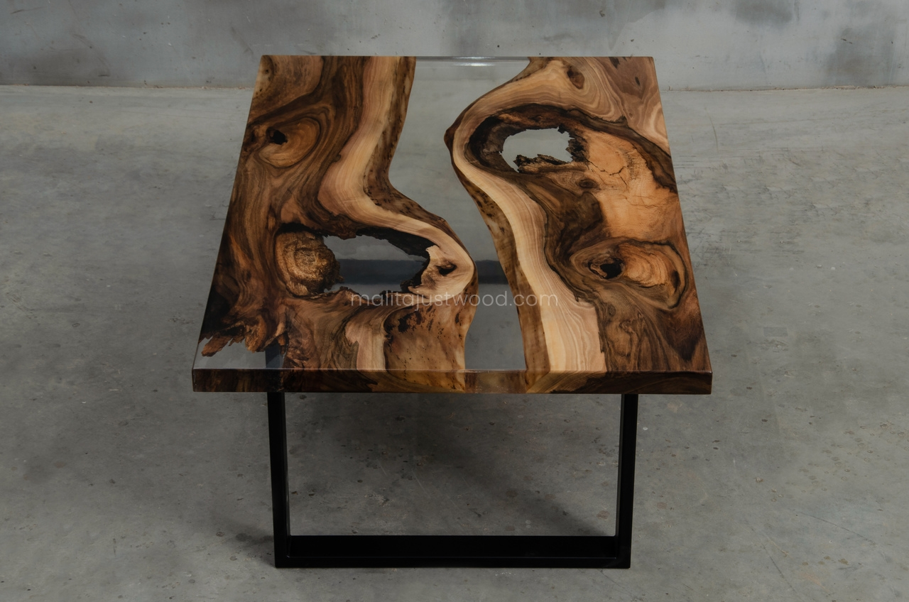 drewniane stoliki kawowe Ars z żywicą
