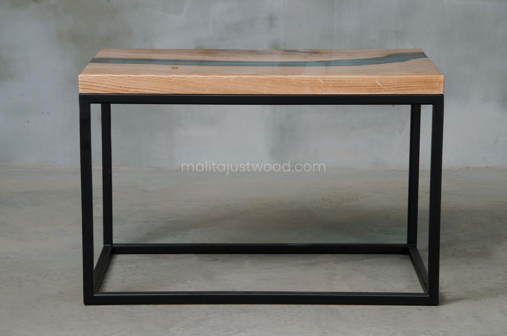 prostokątny stolik Carus z żywicą epoksydową