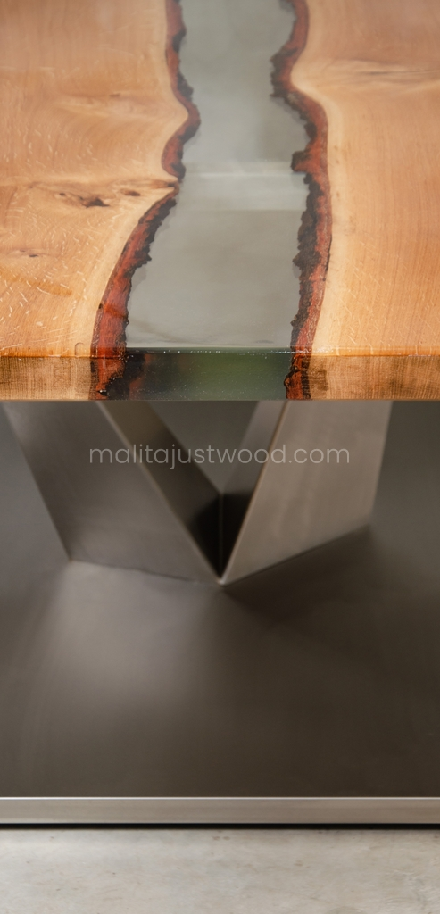 stół Dives do jadalni z drewna i żywicy epoksydowej