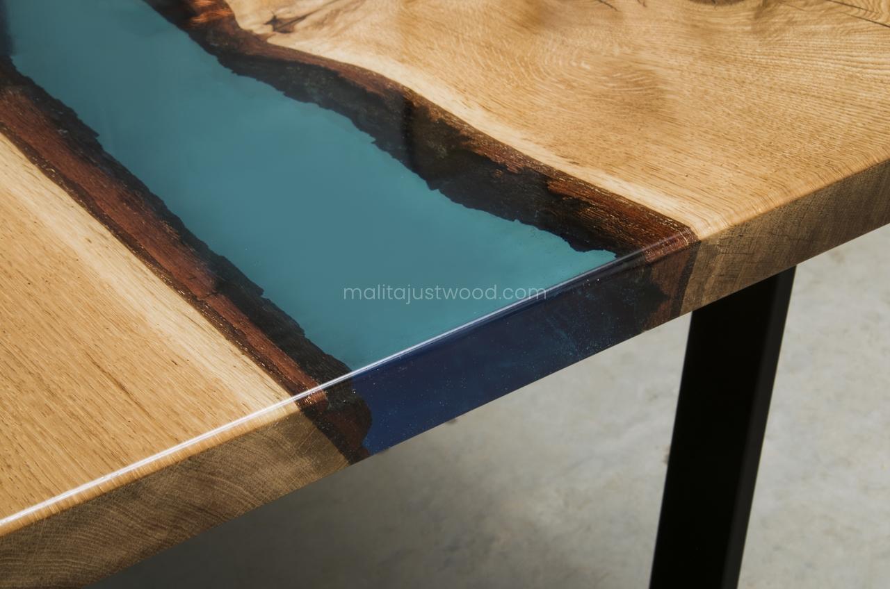 stoły Flumine z żywicą