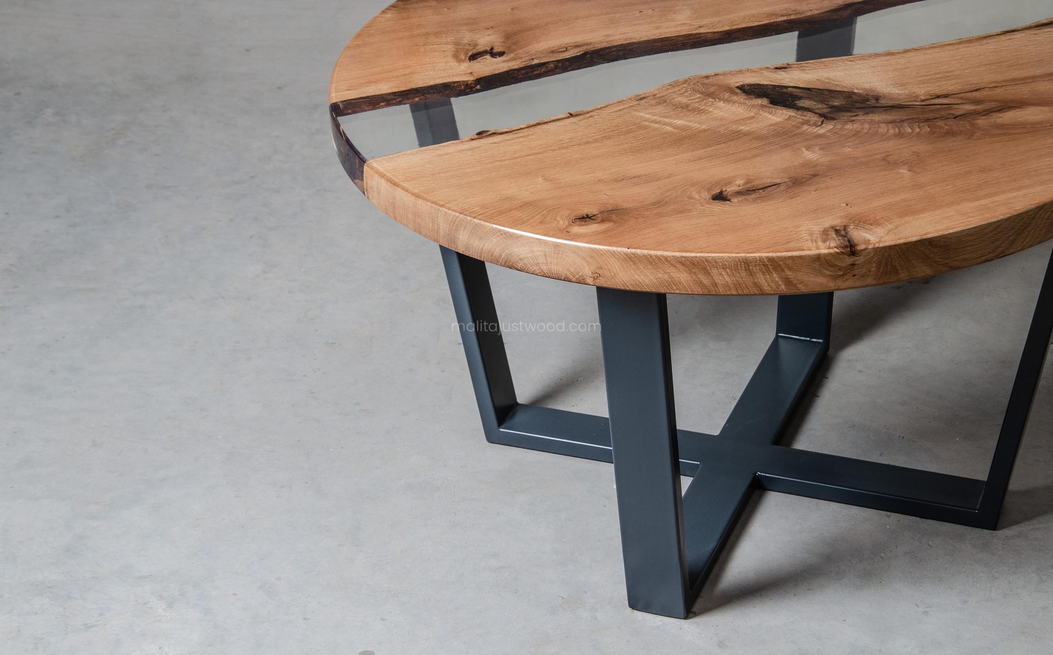 nowoczesny lakierowany stolik kawowy Puella z żywicą