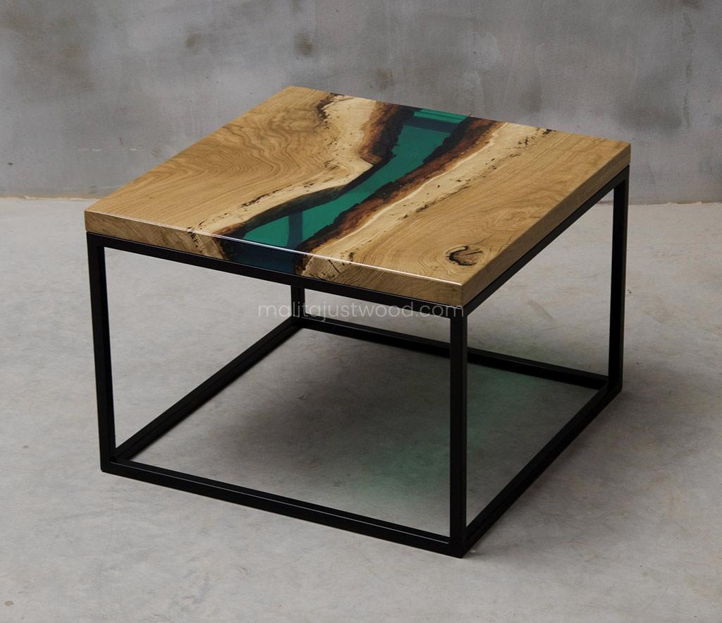 elegancki drewniany stolik kawowy Ventus z żywicą