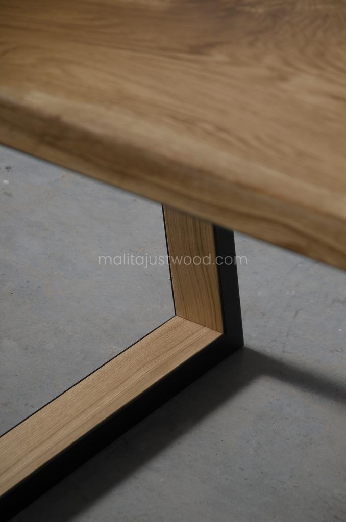 Stół Venezia z drewniano stalowymi nogami