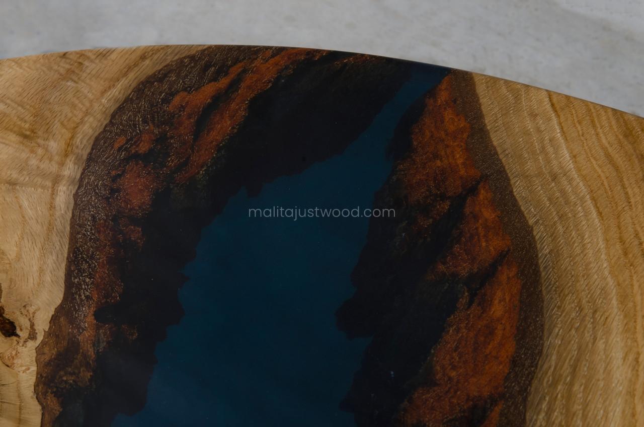 stolik Mook z ciemną żywicą