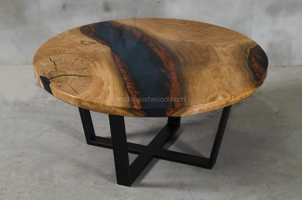 drewniany stolik Moon ze stalowymi nogami