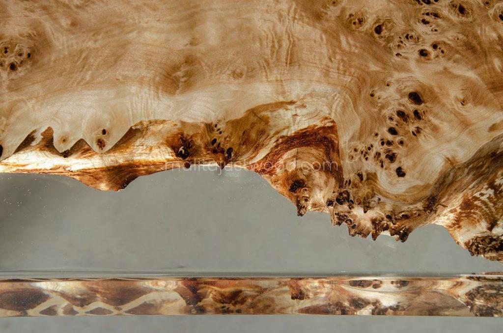 konferencyjny stół Astrum z drewna i przezroczystej żywicy