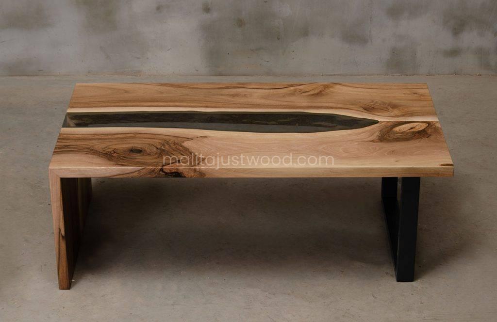 szklany stolik kawowy Cataracta ze stalowymi nogami