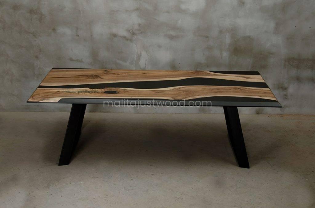 stół Desidero do jadalni z drewna orzecha europejskiego
