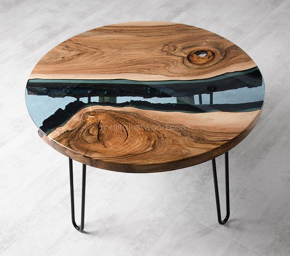 designerski stolik Fluvius z drewna i szkła