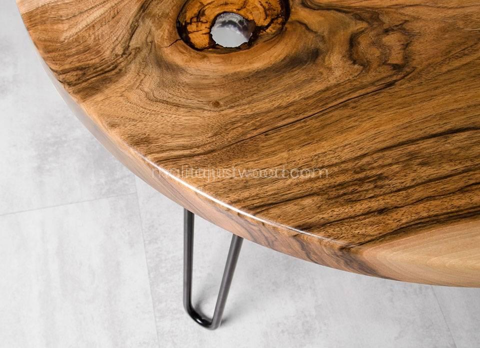 drewniana ława Fluvius z barwionym na błękitno szkłem