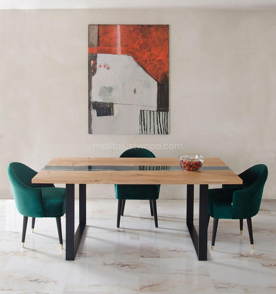 dębowy stół Lente z elementami błękitnego szkła hartowanego