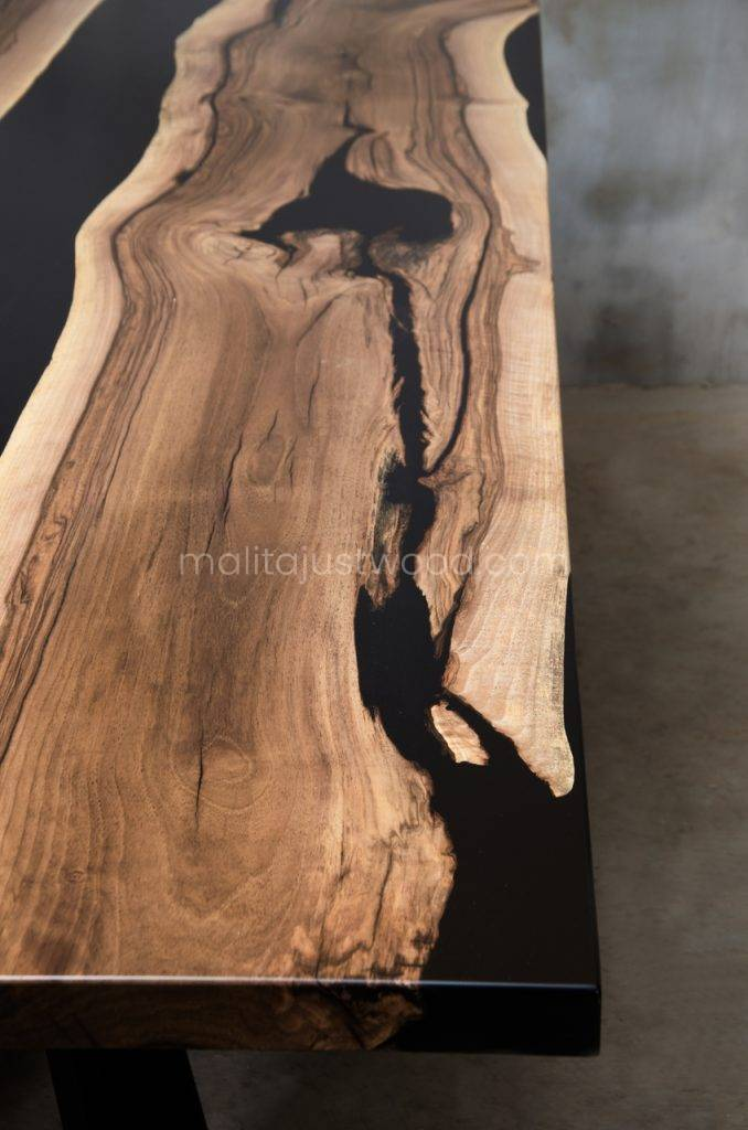 konferencyjny stół Magna z drewna i żywicy epoksydowej