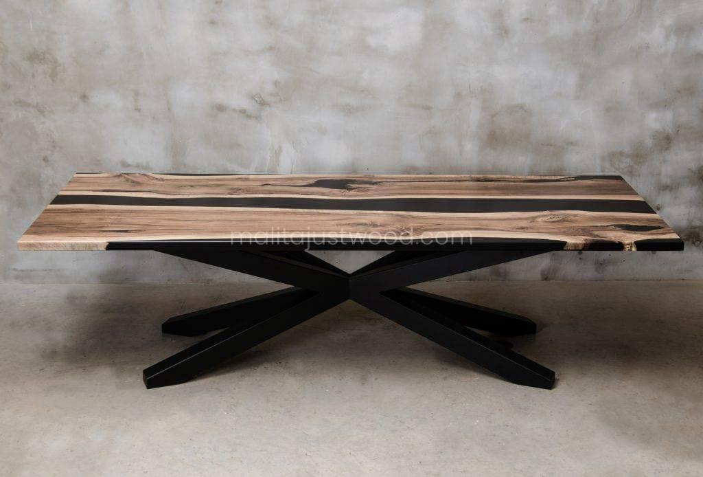 lakierowany stół Magna do jadalni z matowym wykończeniem