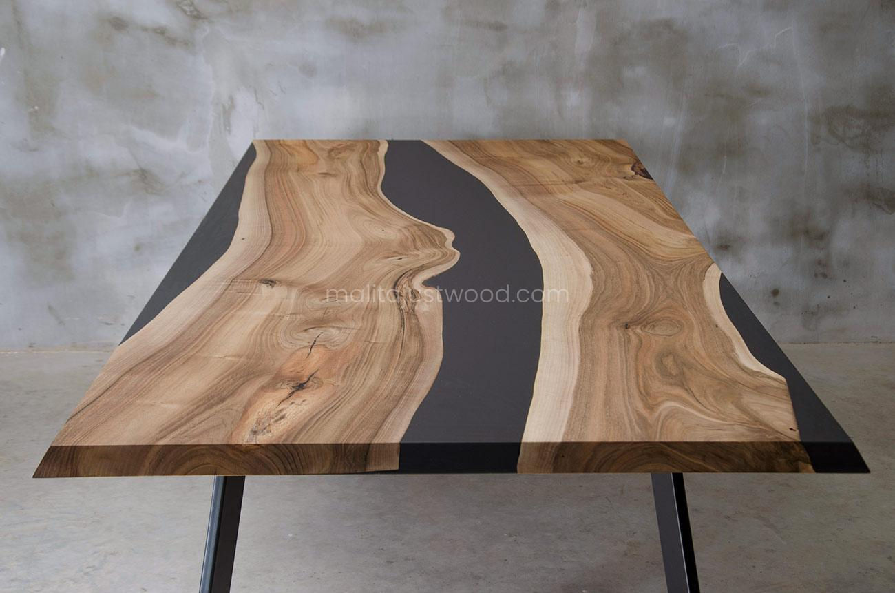 industrialny stół Ornatus z żywicą