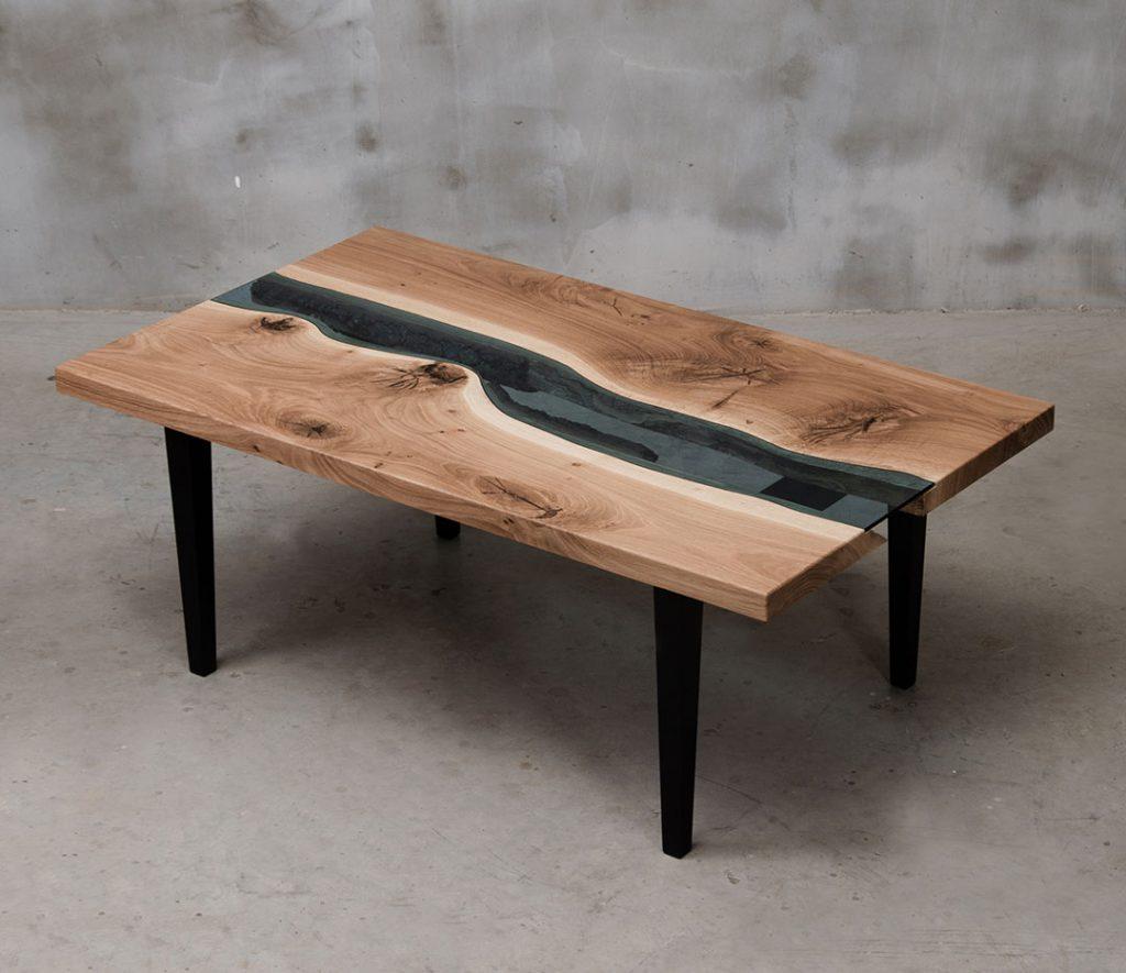 elegancki stolik Salus z elementami błękitnego szkła
