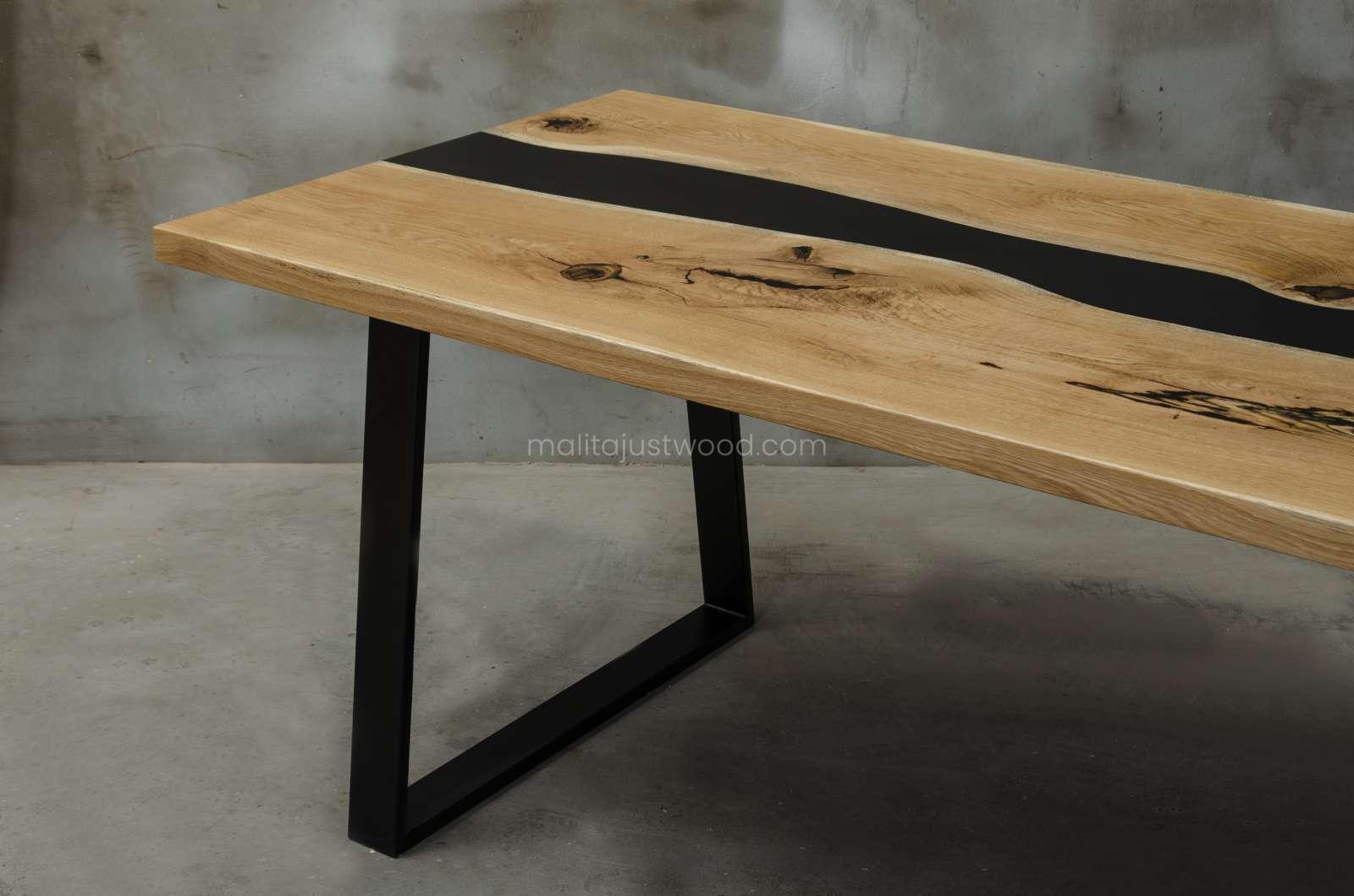 stół Libenter dębowy lakierowany w macie