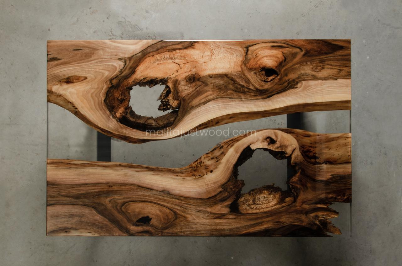 walnut coffee table Ars with resin