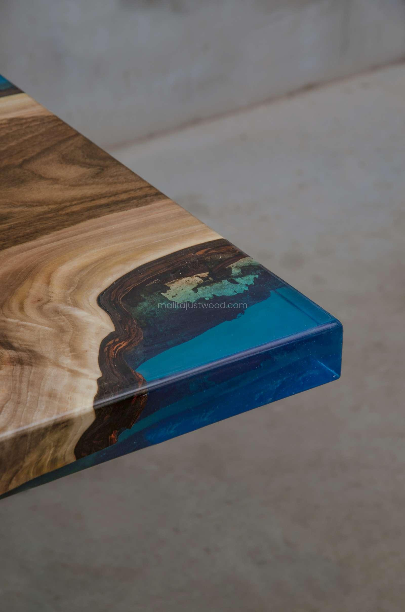 dining table Helvetica with blue resin
