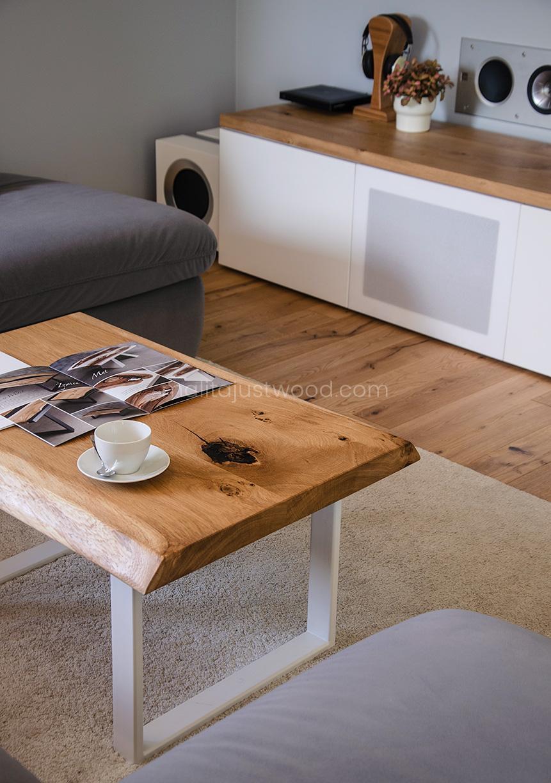 stół drewniany z żywicy epoksydowej