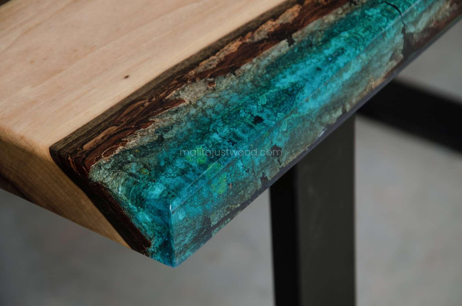 glossy coffee table Mare made of resin