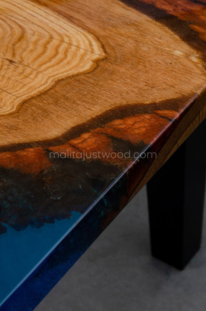 Tantum Tisch mit Harz