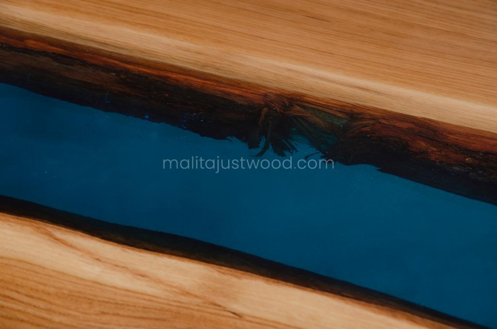 lacquered tantum table