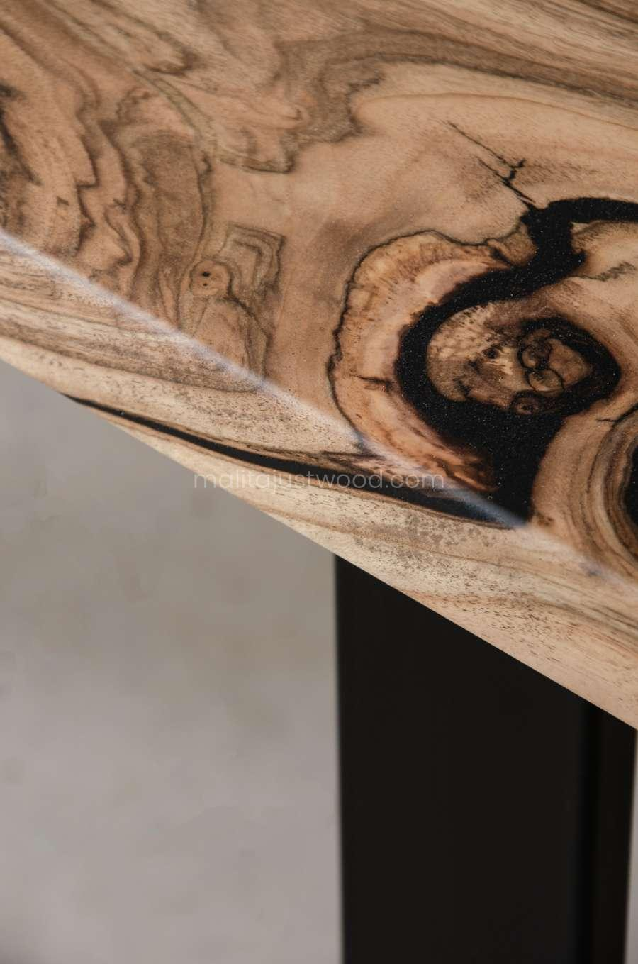 drewniany stół Tenens z drewna orzecha