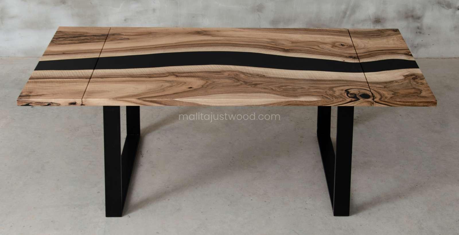 stoły tenens z żywicą i drewnem