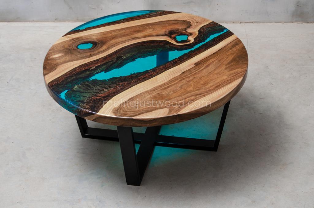 Walnuss Couchtisch Aqua aus Holz und Metall