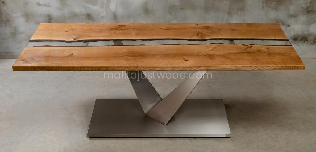 big wooden table Dives for dining room
