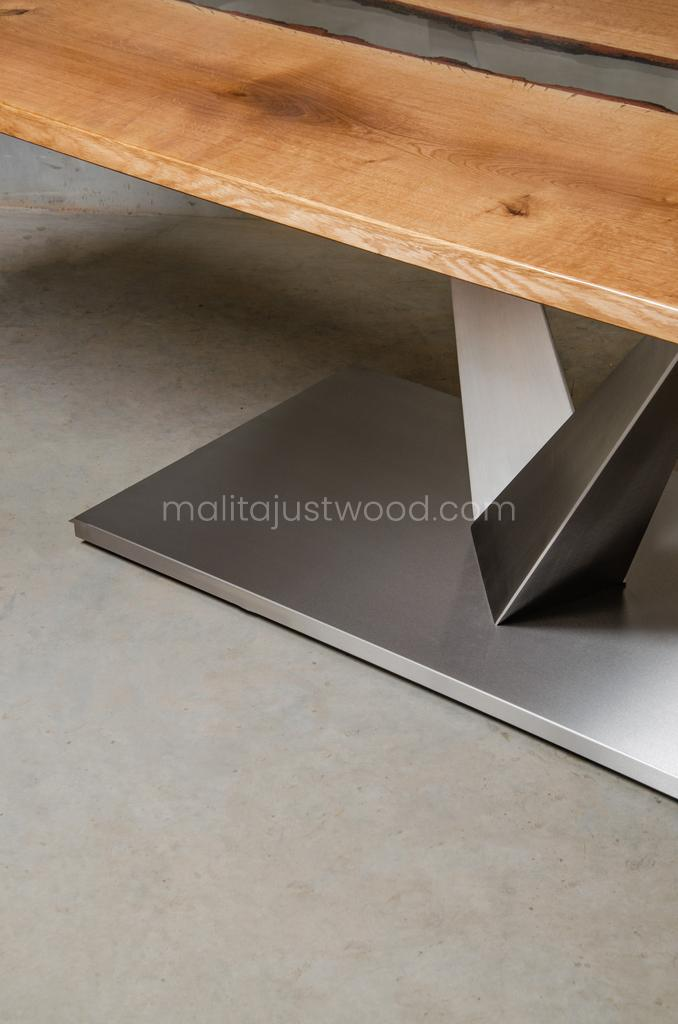 Dives resin table of oak and brushed steel