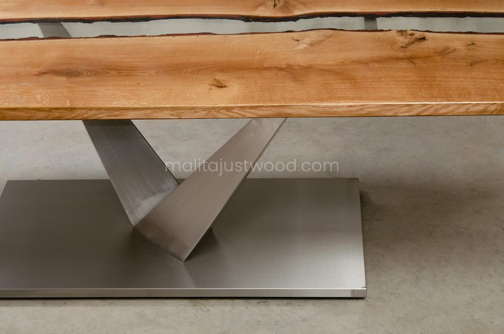 Dives resin lacquered table for dining room