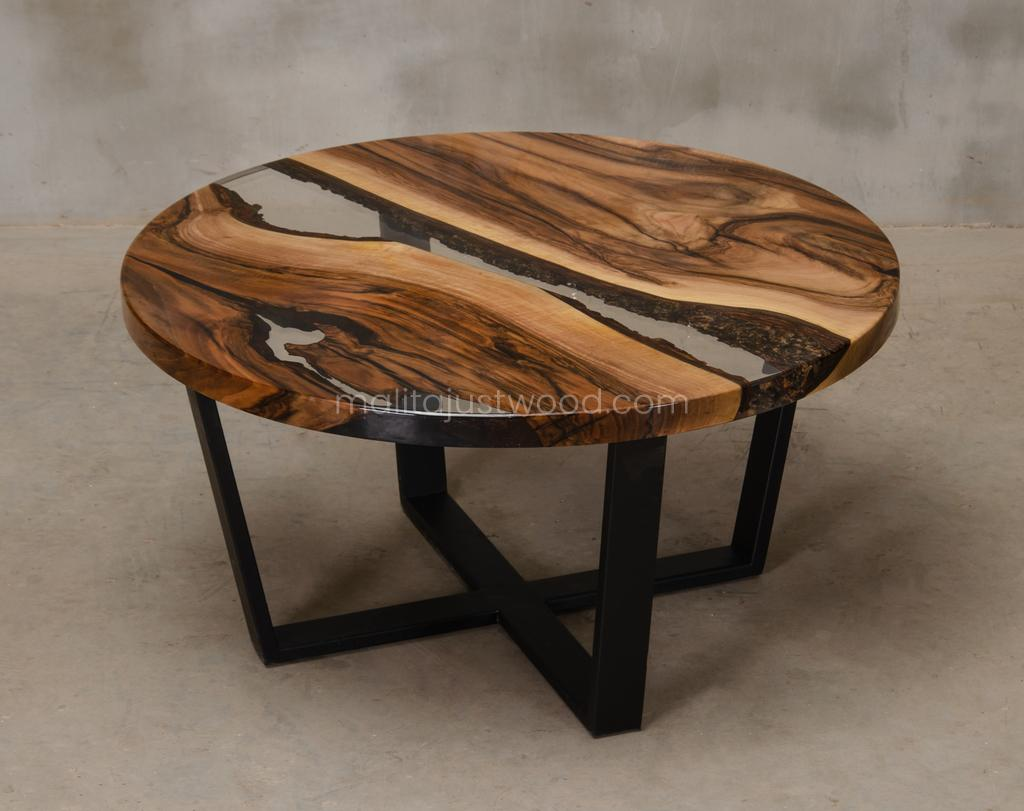 walnut coffee table Egregius with epoxy resin