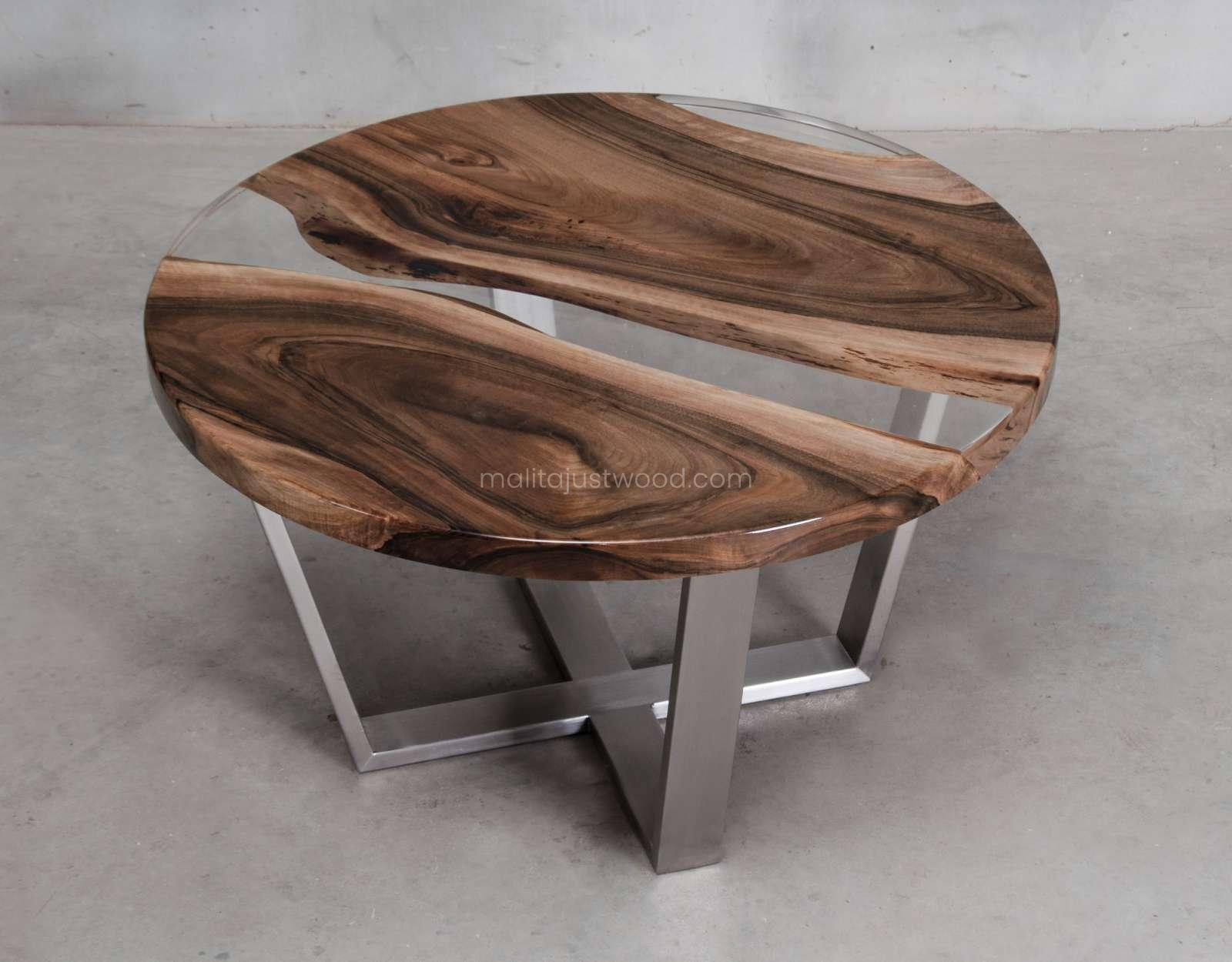 stolik kawowy Ferro z żywicą i stalowymi nogami