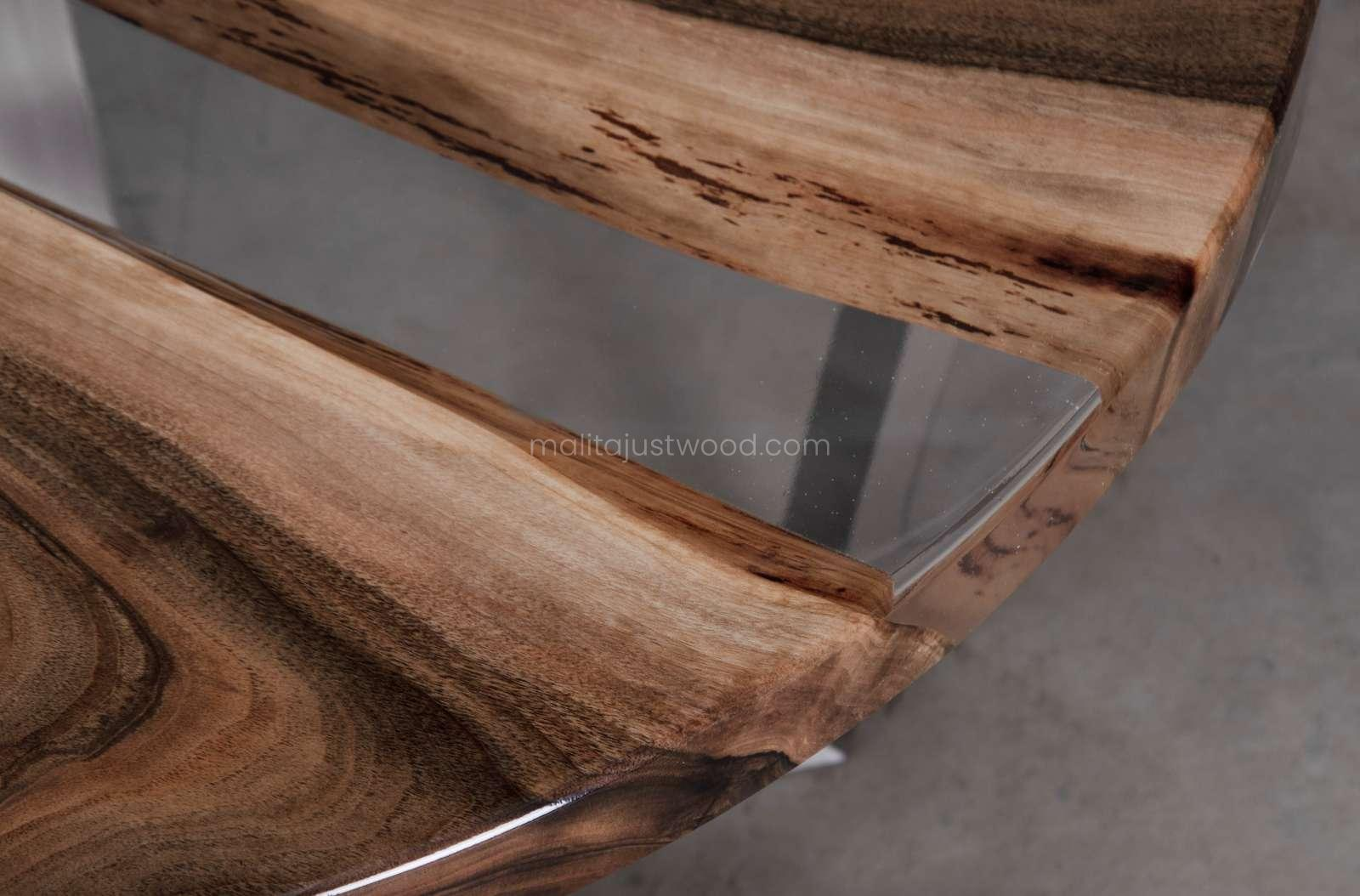 stylowy stolik kawowy Ferro z transparentną żywicą