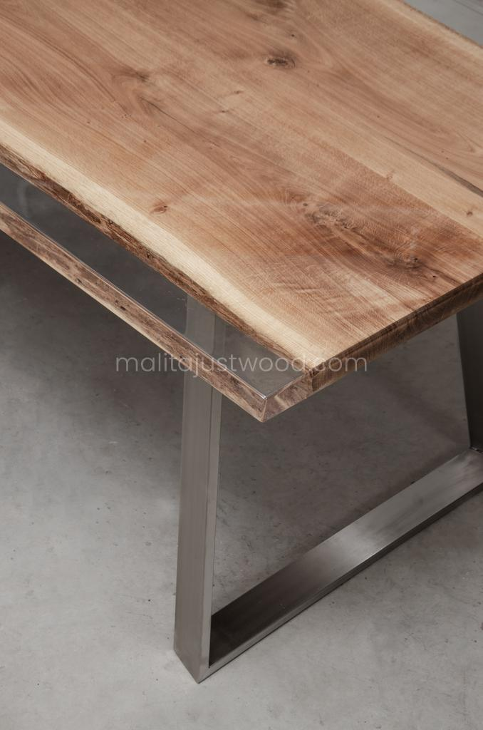 Ingenium tables varnished with resin