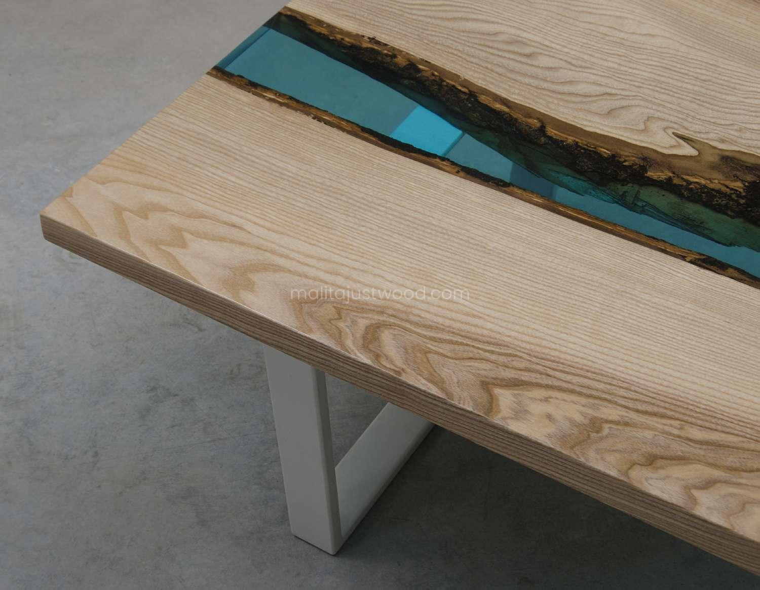 epoxy console table cinis