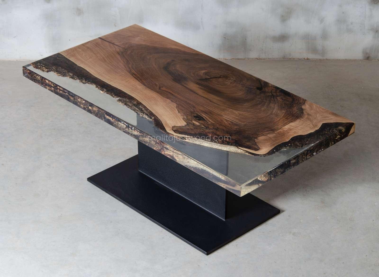 Luxus Couchtisch Sublimis aus Harz und Holz