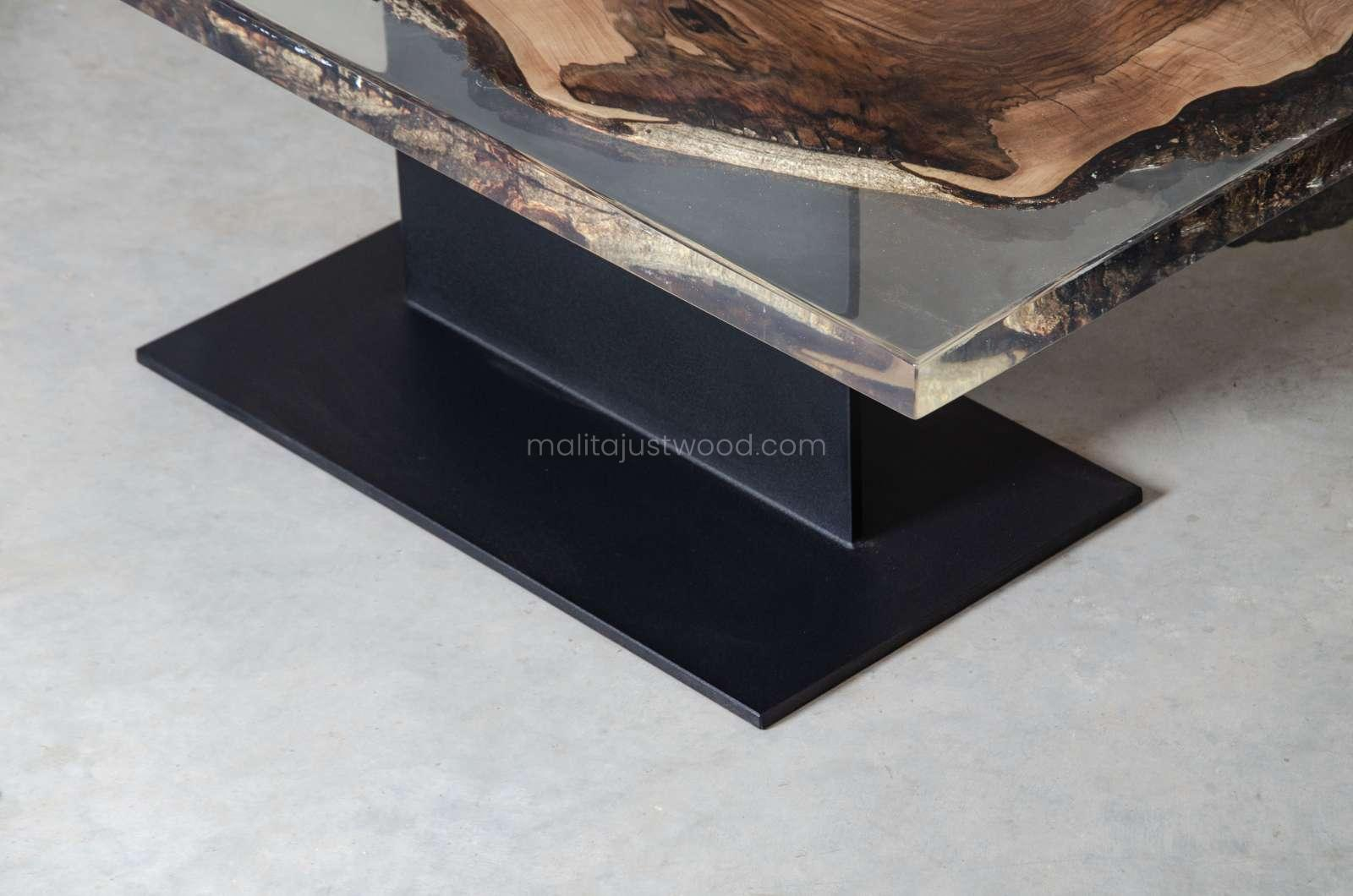 colorless resin table Sublimis